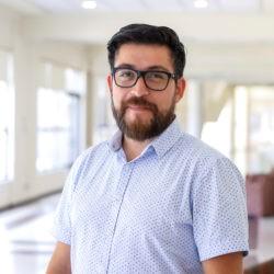 Dr. Freddy Flores-Bahamonde